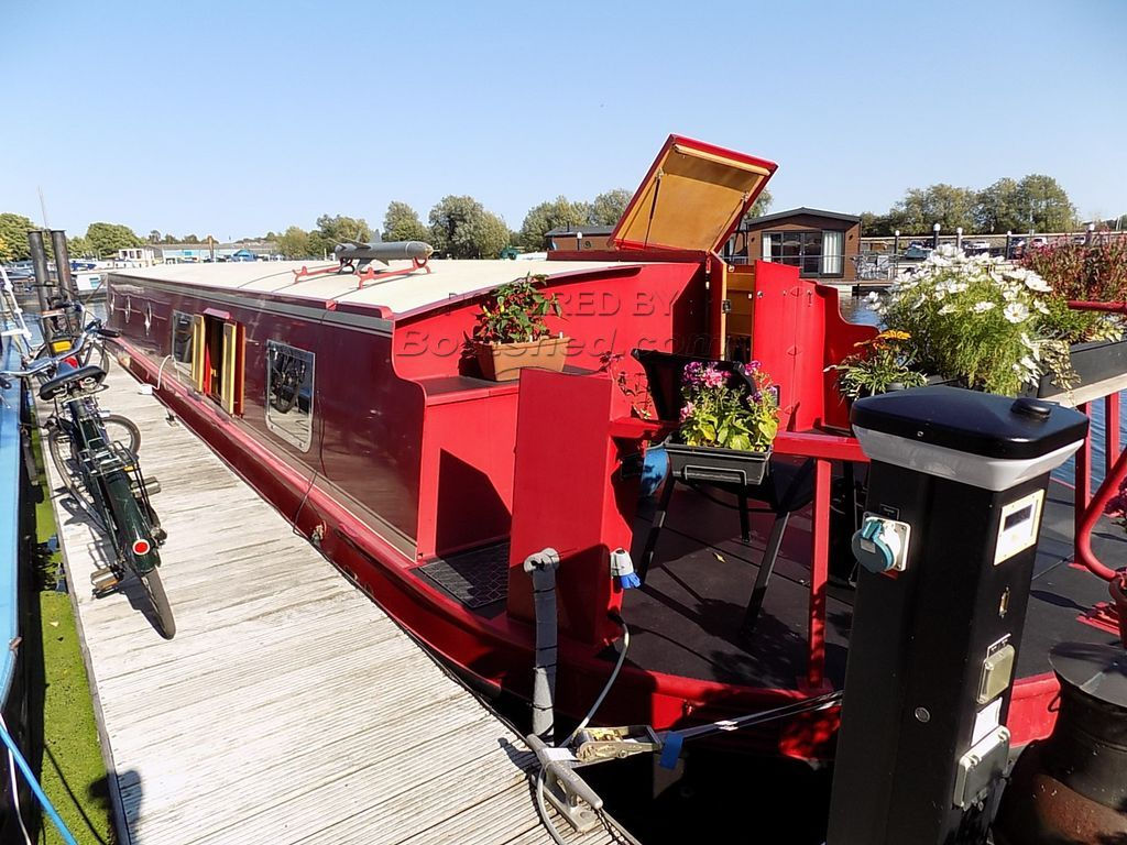Wide Beam 60ft Cruiser Stern Houseboat With Mooring