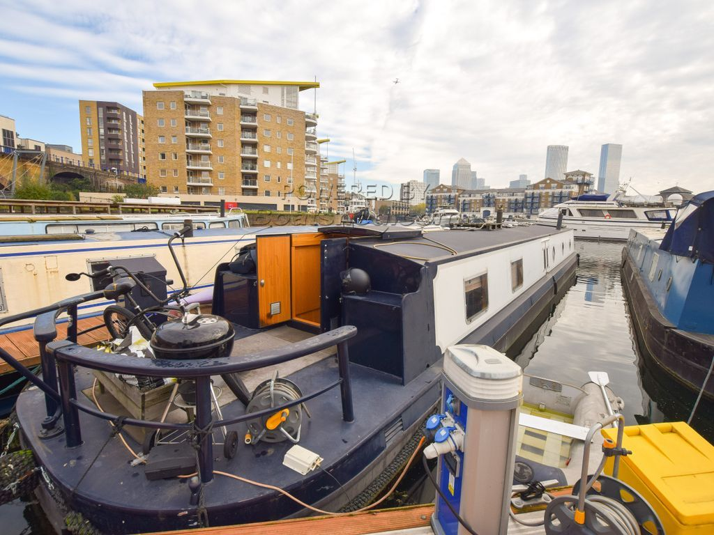 Wide Beam 65ft With London Mooring