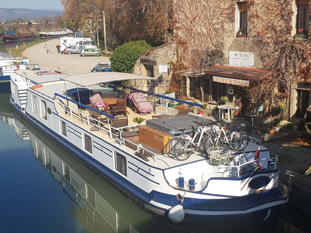 Peniche Hotel Charter Barge Would Make Versatile Cruising Home