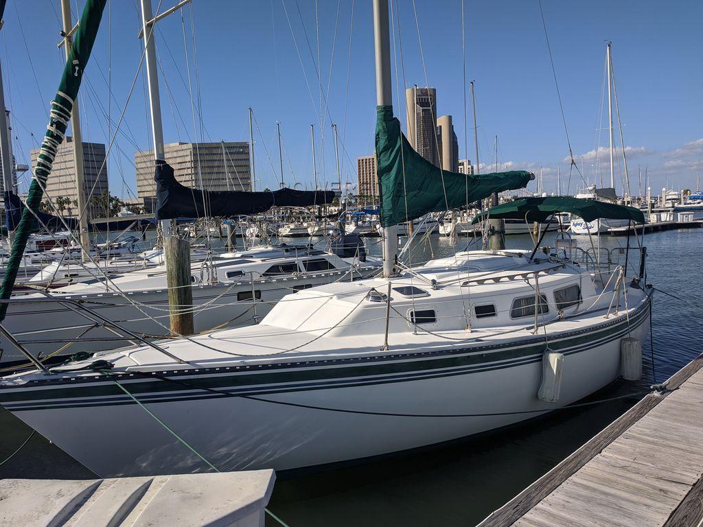 Newport 30 MK III Capital Yachts