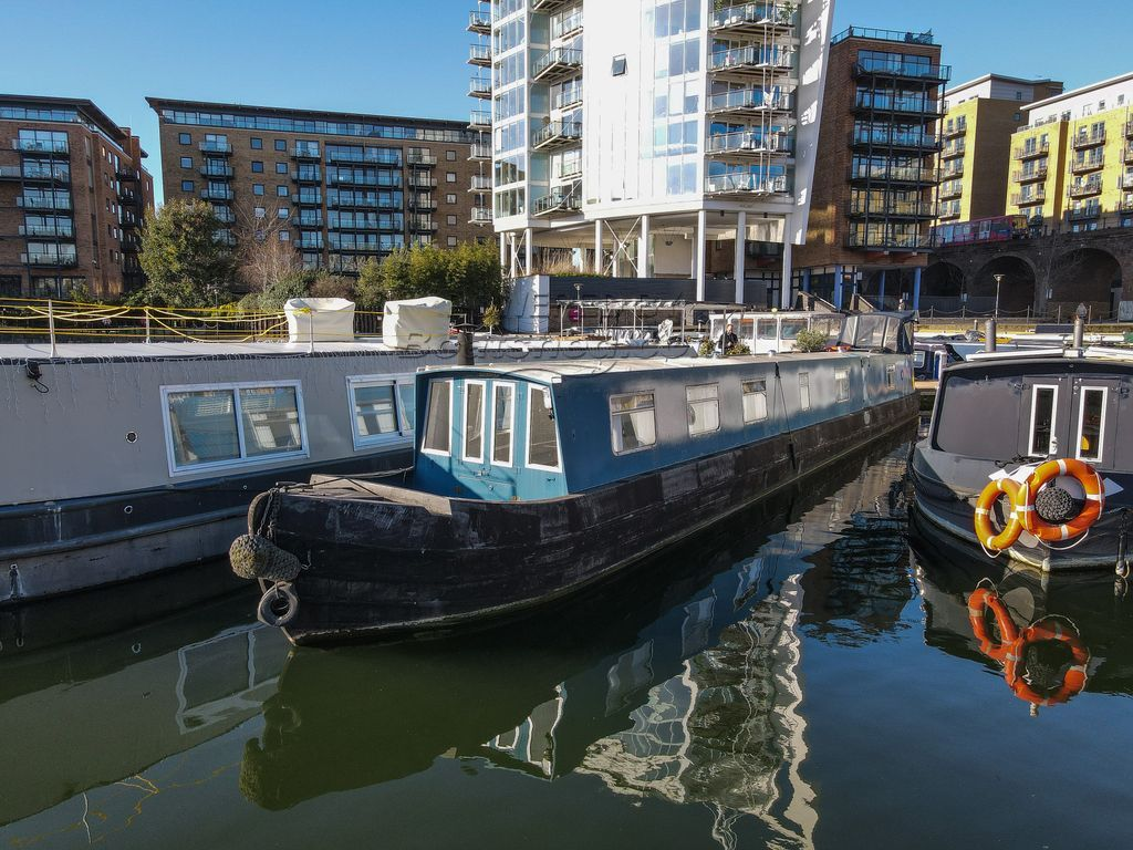Narrowboat 70ft With London Mooring
