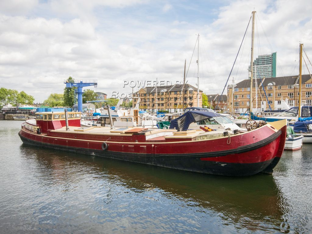 Dutch Barge 25m With London Mooring