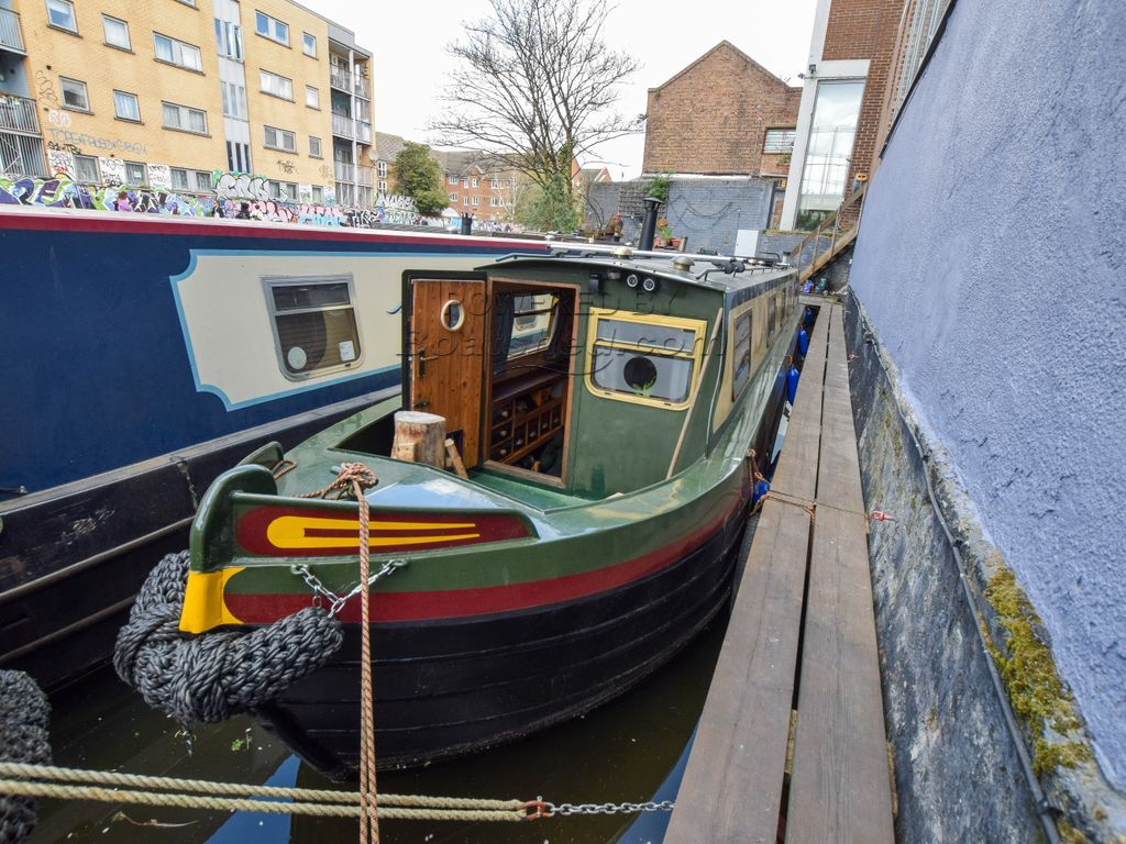 Narrowboat 46ft With London Mooring