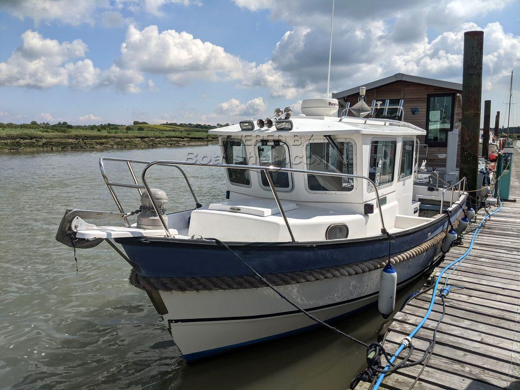 Hardy Fishing 24 - Extended Wheelhouse Recent Engine