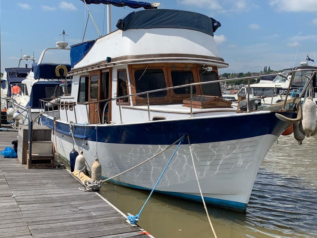 Puget Sound 34 Trawler Yacht
