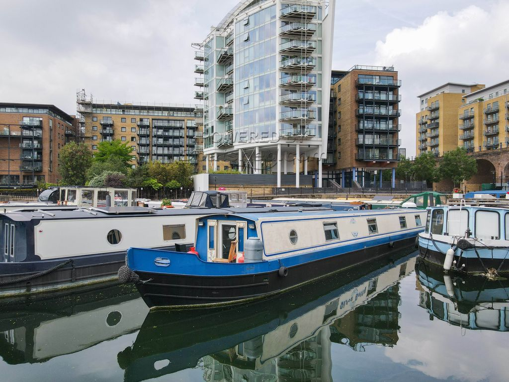 Wide Beam 70ft With London Mooring