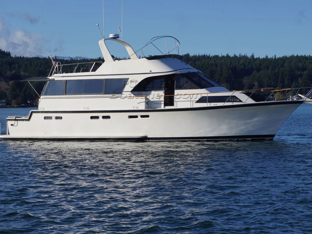 Ocean 61' Cockpit Motor Yacht