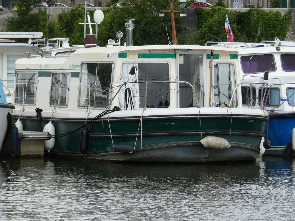 Jeanneau Eau Claire 930 Live Aboard Possible