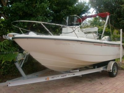Boston Whaler 18 Outrage For Sale, 5 49m, 2000