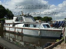 Empress 32 Ex customs Launch