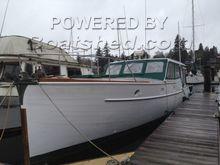 Matthews Classic Motor Yacht 38 Sedan