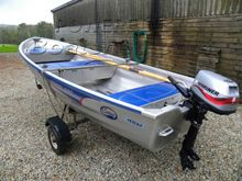 Linder 440 Fishing Boat