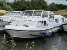 Alpha Craft 42 Ex hire boat