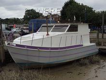 Houseboat 30