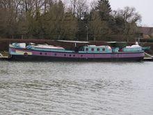 Peniche Freycinet top quality 30m cruising liveaboard barge