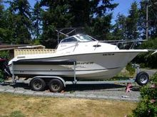 Seaswirl Striper 2101 Walkaround I/O