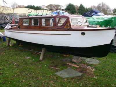 WH Hornby Motor Cruiser 29'