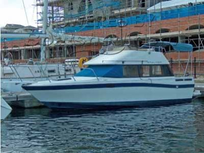 Bayliner 2450 Flybridge
