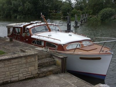 Bates Starcraft Cabin Cruiser Traditional River Boat