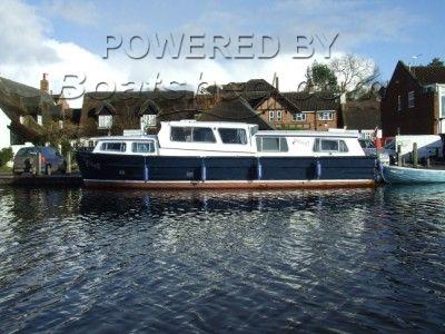 Banham 33 Discovery River Cruiser