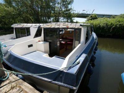 Aquabell 28 Sedan