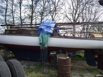 Broads traditional sailing yacht Gaff Sailing Cruiser
