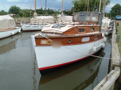 Gentlemans 24 ft wooden launch Gentlemans Cruiser