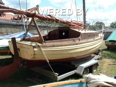 Wooden  Sailing Yacht Dawnless 20 style