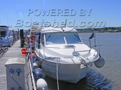 Beneteau Antares 8 Economical and Spacious