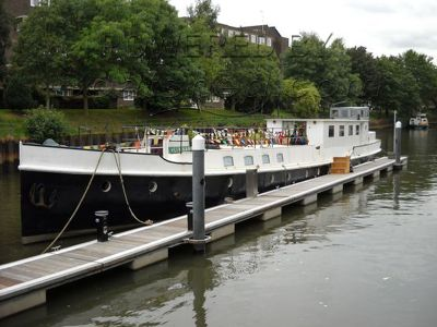 Dutch Houseboat 117