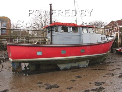 Versatility 30 Fishing Boat