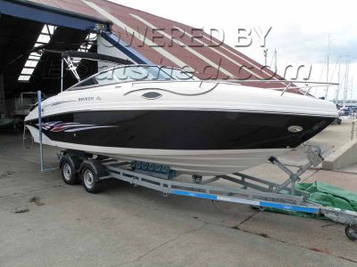 Rinker 246 Captiva Cuddy Liberty Edition