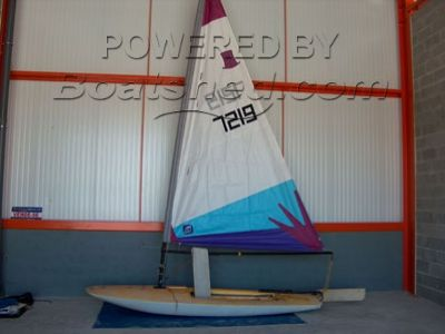 Topper training racing dingy