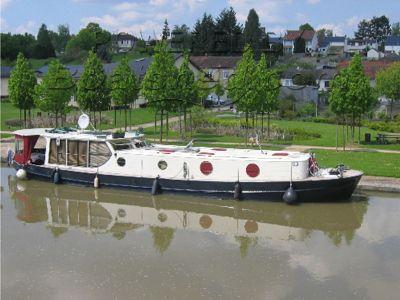 Inland Waterways Motor Yacht