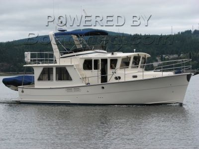 Helmsman Trawlers - 38 Pilothouse