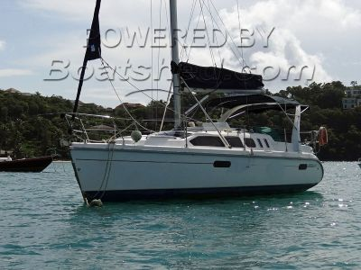 Hunter 310 GRP Sloop