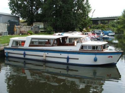 Classic 37 Broads Cruiser
