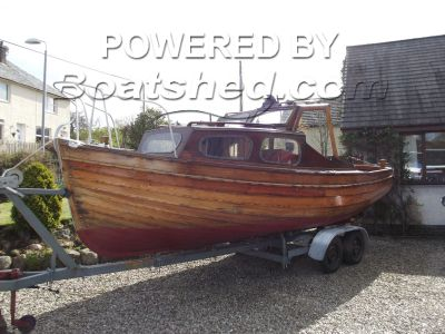 Clinker  Cabin Cruiser 23ft