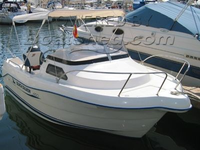 Quicksilver 450 Cabin