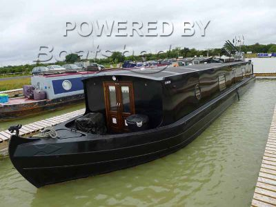Wide Beam 55 Viking Cruiser Stern