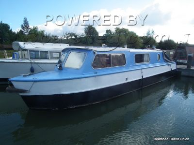 Narrowboat 30ft Cruiser Stern Steel Hull, Wooden top
