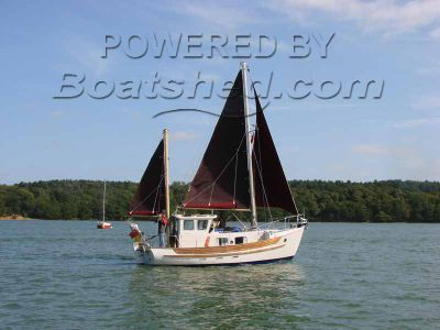 Fisher Potter 25 Ketch, Motor Sailer