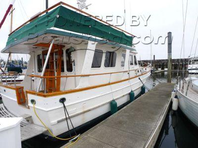 Universal Trawler Europa Style 42