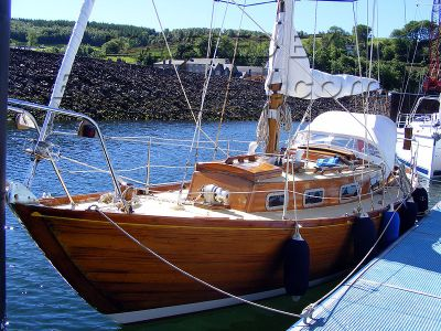 Wooden  Sailing Yacht Honey Bee