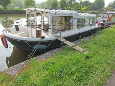Jeanneau Eau Claire 930 Canal and river cruiser