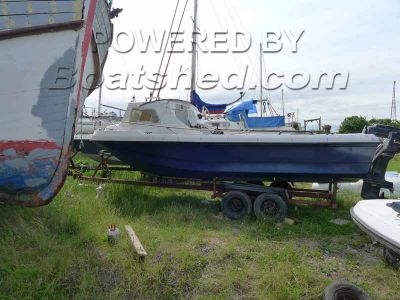 Wilson Flyer 17 Fishing Boat