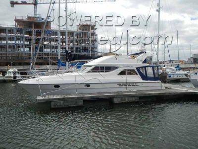 Princess 360 Flybridge Cruiser
