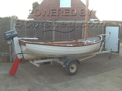 Traditional Classic Style Dinghy