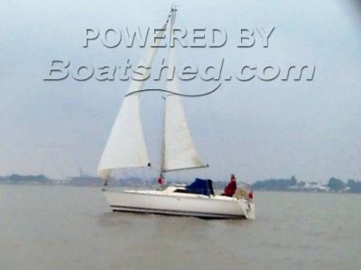 Jeanneau Fantasia 27 Sailing Cruiser