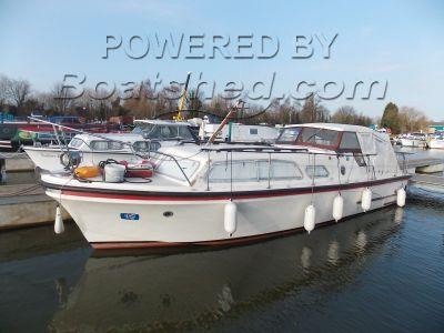 RLM Marine 32 River Cruiser